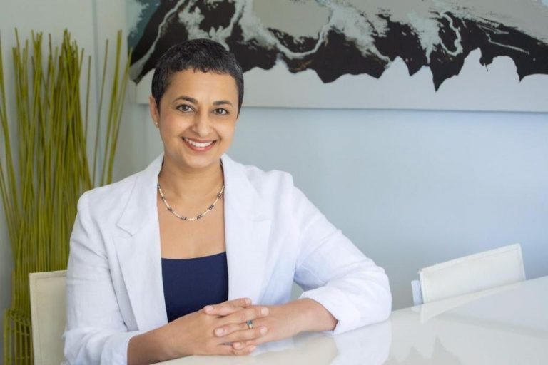 Dr Ela Manga